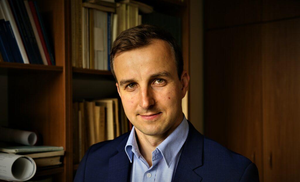 dr Adrian Szopa