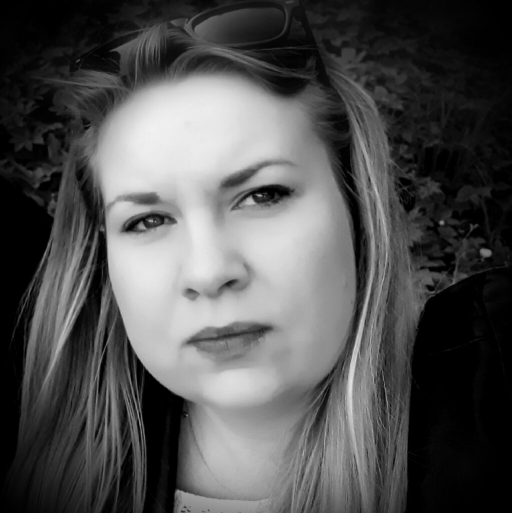 dr Magdalena Niedźwiedzka